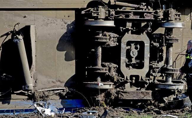 1 Dead, Six Hurt In Dutch Train Derailment