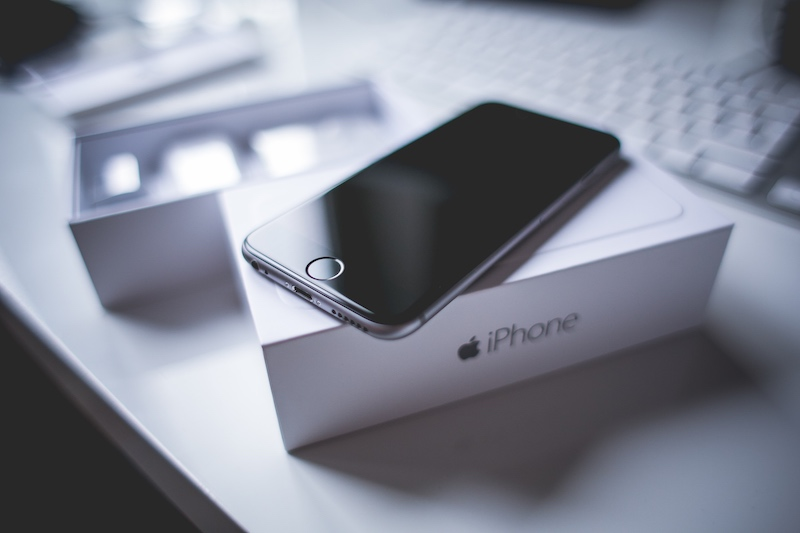 Chinese Couple Reportedly Sells Infant Daughter to Buy iPhone