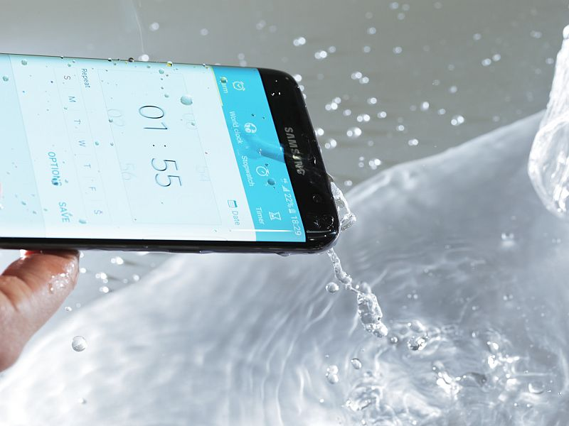 Samsung Galaxy S7, S7 Edge Pack a Moisture Sensor in USB Port