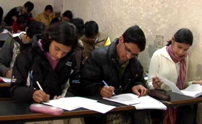 To cut back dishonest, CBSE to shop for 8,000 metal Detectors To Frisk candidates