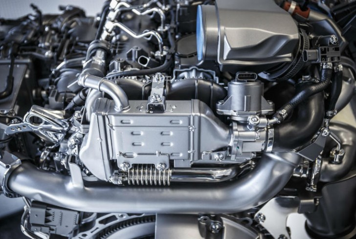 Mercedes-Benz Invests 3 Billion Euros towards New Engine generation