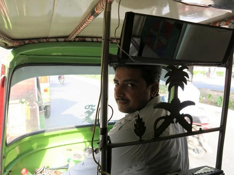 Uber's Upstart Rival in Pakistan makes use of Rickshaws, Low-Tech telephones