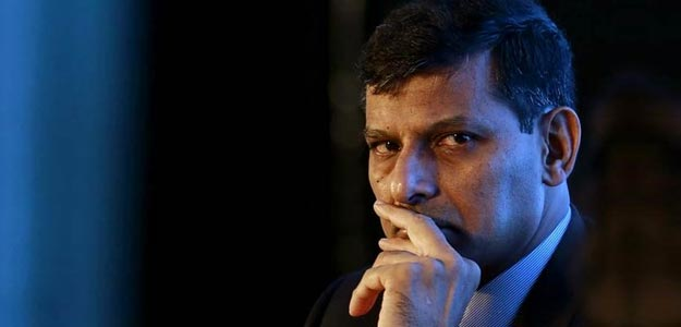 Will He, won't He? Rajan's future To Upstage price cut At Key RBI Meet