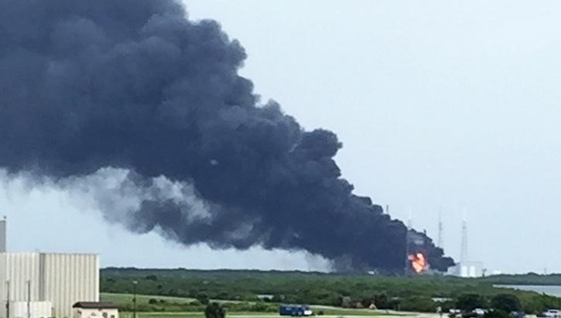 SpaceX Rocket Explodes on Launchpad With Facebook's Internet Satellite on Board