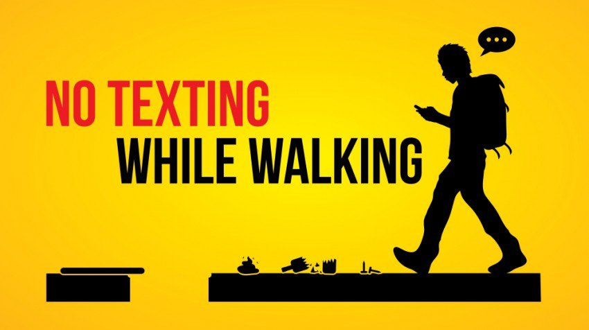 """New Jersey Proposes """"No Text While Walking"""" Law"""