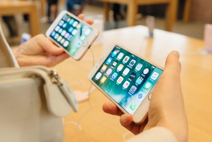 Apple Products, Phablets Top List of Most Popular Mobile Devices This Holiday Season