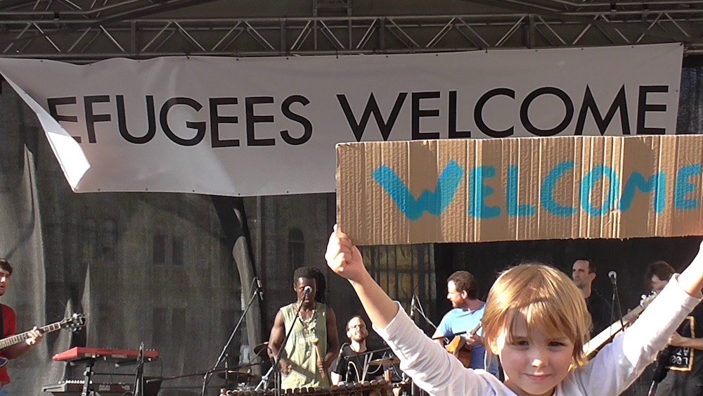 """REFUGEE TO ENTREPRENEUR"" PROGRAM GIVES FREE WEB DESIGN TO REFUGEES"""