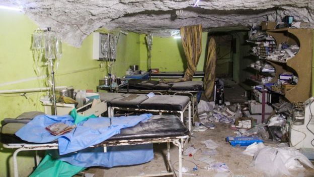 Syria civil war: UN calls emergency talks after 'gas attack'