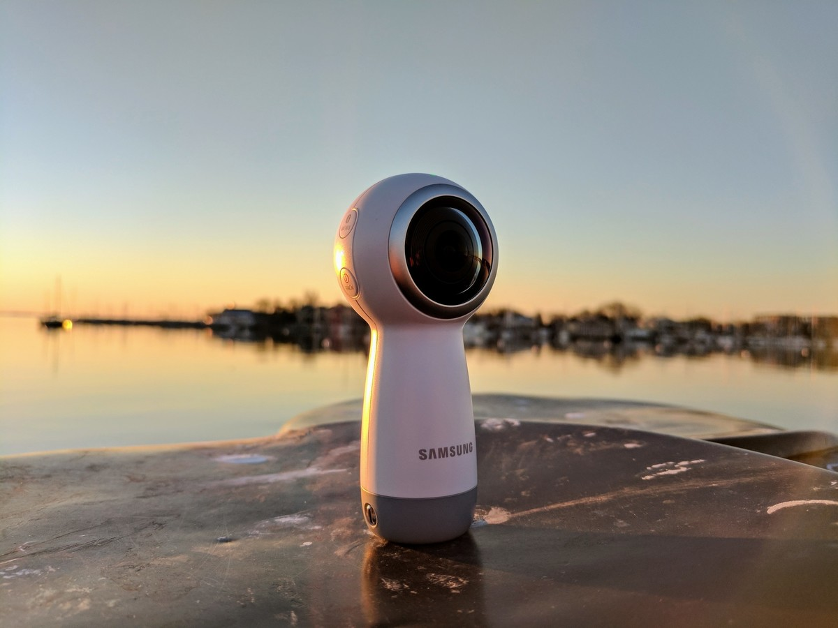Samsung's new Gear 360 camera is way cheaper than the original