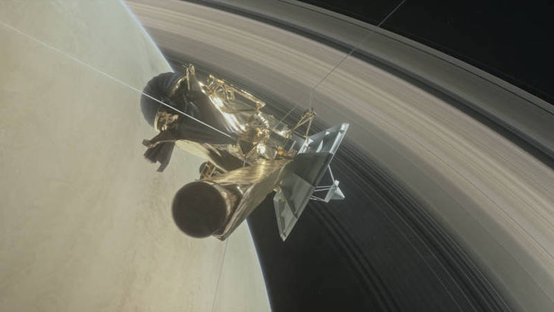 Cassini's First Dive Between Saturn and Its Rings Successful, Says NASA