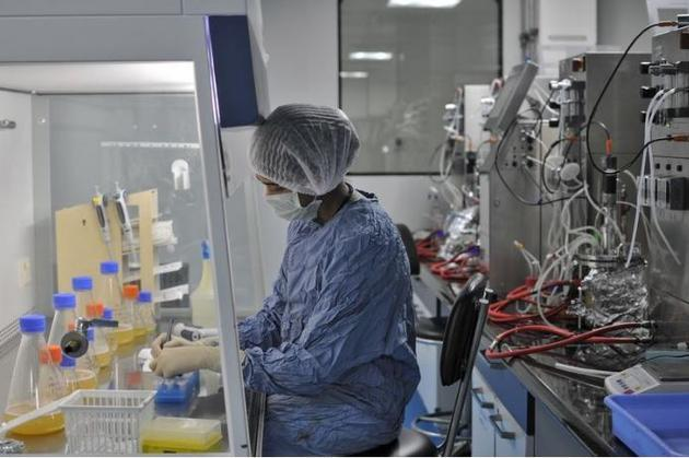 Biocon climbs 2.65% on launch of cancer medicine