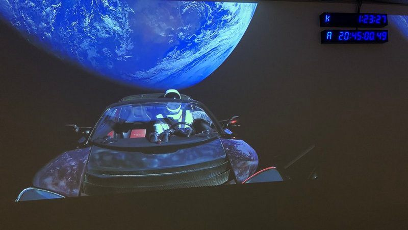 Want to Track the Tesla Roadster in Space? There's a Website for That