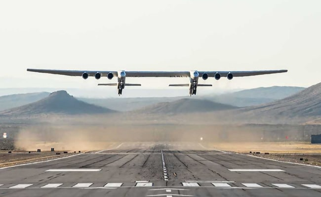 World's Largest Plane Takes Flight, Can Air-Launch Rockets Into Space